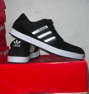 harga Sepatu Casual Adidas Goodyear 04 Tokopedia.com