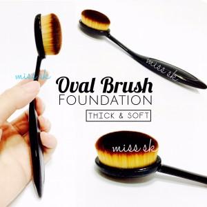 OVAL FOUNDATION FACE BRUSH ( make up brush )