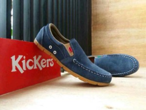 Sepatu Slop Casual Kulit Suede Kickers Murah