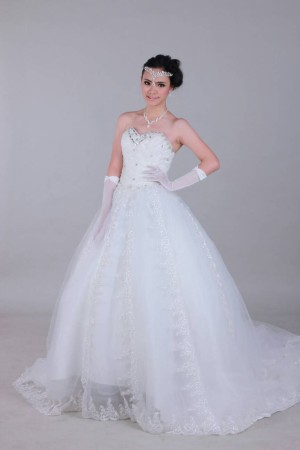 wedding gown tile