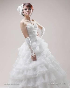 wedding gown ekor layer