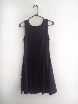 dress hitam polos