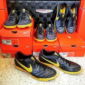 Sepatu Futsal Nike Lunar Gato IC Black/Yellow #415124-077