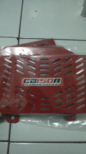 TUTUP/COVER RADIATOR  TEBAL CB150 RED