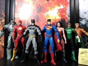 Marvel Studio telah berhasil mencetak para bintangnya dengan karakter  superhero based comic yang sangat identik dengan peran mereka dalam  franchise Marvel ...