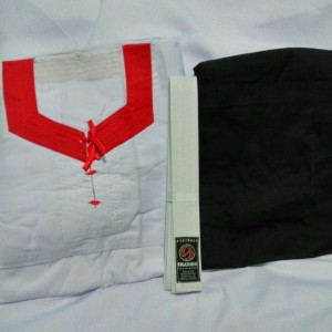 Baju Silat Merpati Putih