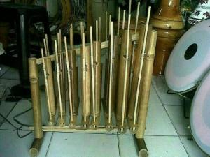 angklung bambu hitam 8 nada 1 oktaf