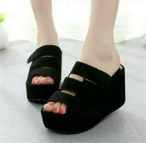 Sepatu Wanita Wedges El59 Hitam