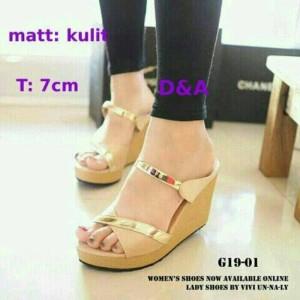 Sepatu Wanita Wedges Tali Silang Emas Cream G 10