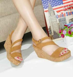 Sepatu Wanita No. 39 Wedges Tan Yd 01