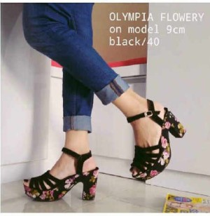 Sepatu Wanita No. 37 Wedges Hitam Ht 05