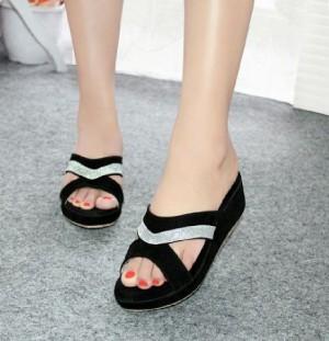 Sepatu Wanita Wedges Hbe02 Hitam
