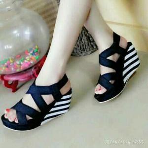 Sepatu Wanita Sandal Sendal Wedges Belang Hitam