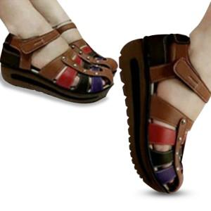 Sepatu Wanita Wedges Replika Kickers 005