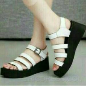 Sepatu Wanita Wedges Spons Putih