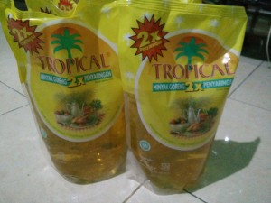 Minyak Goreng Tropical 2 Liter Bisa Gojek