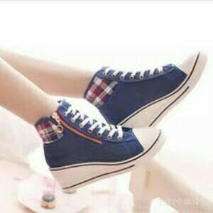 Grosir Sepatu Sandal Wanita Murah - Wedges Boots Biru G01