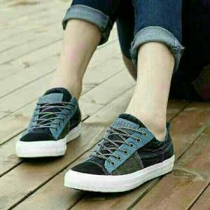 Grosir Sepatu Wanita Murah - Sepatu Kets Biru KM33