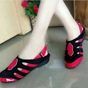 Grosir Sepatu Wanita Murah - Sendal / Sandal Flat Shoes Puma