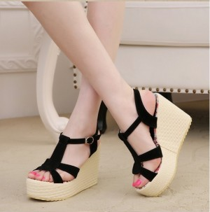 Grosir Sepatu Sandal Wanita Murah - Wedges W17 Hitam