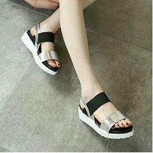 Grosir Sepatu Wanita Murah - Sandal Flatfrom Silver DK11