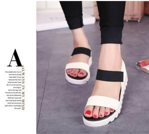 Grosir Sepatu Wanita Murah - Sandal Flatfrom Hitam Putih DK11
