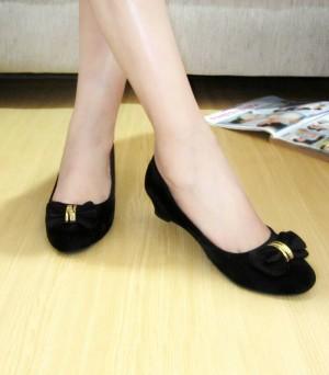Grosir Sepatu Wanita Murah - Wedges Pantopel Pita KM09