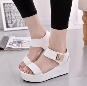 Grosir Sepatu Sandal Wanita Murah - Wedges T135 Putih