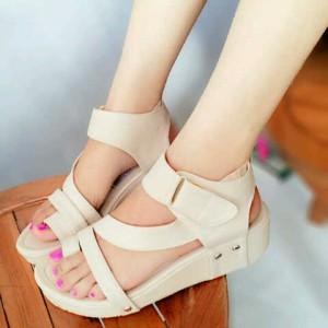Grosir Sepatu Sandal Wanita Murah - Wedges Cream JH13