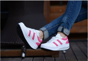 Grosir Sepatu Wanita Murah - Sepatu Kets Putih Pink SR01