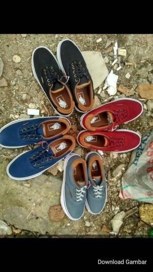 sepatu vans/sepatusket/sepatusport/sepatusekolah