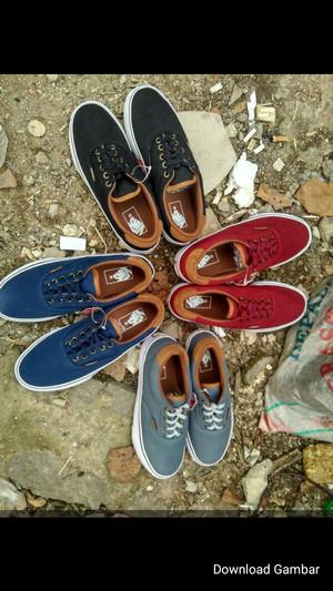 sepatu vans/sepatusket/sepatusport/sepatumurah