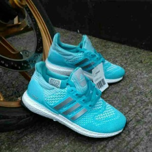 ADIDAS WOMAN ULTRA BOOST
