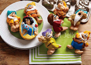 Cetakan Kue / Puding Snow White and 7 Dwarf