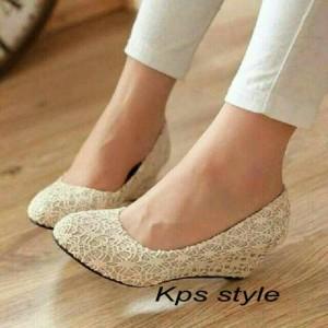 Sepatu Wanita Wedges Cantik Flat Pantopel Fantopel Brukat Cream