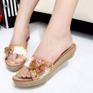 Sepatu Wanita Agen Murah Wedges Kokop Pita Coklat