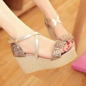 Sepatu Wanita Sepatu Pesta Wedges Cassandra Gold