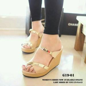 Sepatu Wanita Wedges Sendal Pesta Model Terbaru G19 Cream Lis Gold