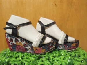 Sepatu Wanita Wedges Merak