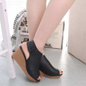Sepatu Wanita Wedges Murah - Rekat 1008 Hitam