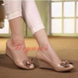 Sepatu Wanita Cream Network