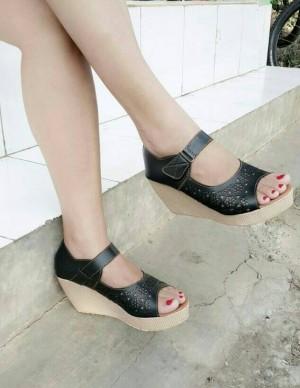 Sepatu Wanita Wedges Pesta Boot Laser Motif Bunga Hitam
