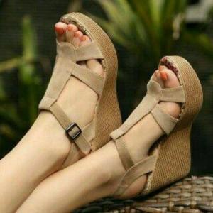 Sepatu Wanita Wedges Pesta Santai Tali Cream Dasar Bunga