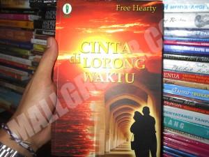 Buku Novel Cinta Di Lorong Waktu - dr. free hearty
