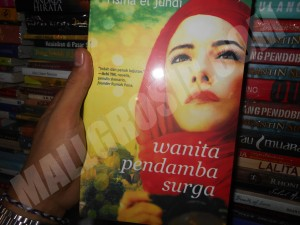 Buku novel Wanita Pendamba Surga - Risma El Jundi