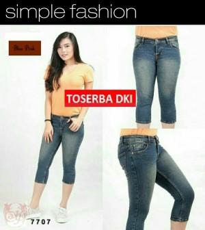 Celana Jeans Pendek 7/8 Big Size CW10