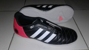 sepatu futsal adidas 11 pro sb 7