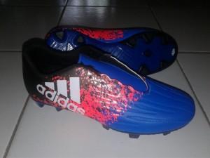 sepatu bola adidas x biru
