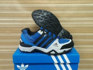 sepatu running jogging fitness import adidas ax size 40-44