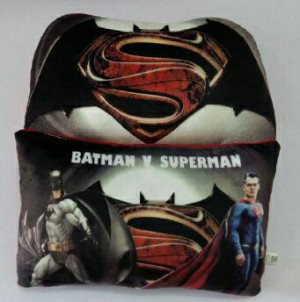 Bantal Batman vs Superman Diskon